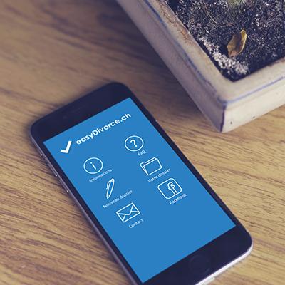 téléphone portable ouvert sur l'application EasyDivorce